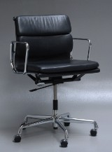 Charles Eames. Soft Pad office chair, model EA-217, 'Full Leather'