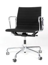 Charles Eames. Kontorstol, model EA117