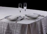 KEOPS - Collection. Dinner DeLuxe. Borddugesæt. 140x220 cm
