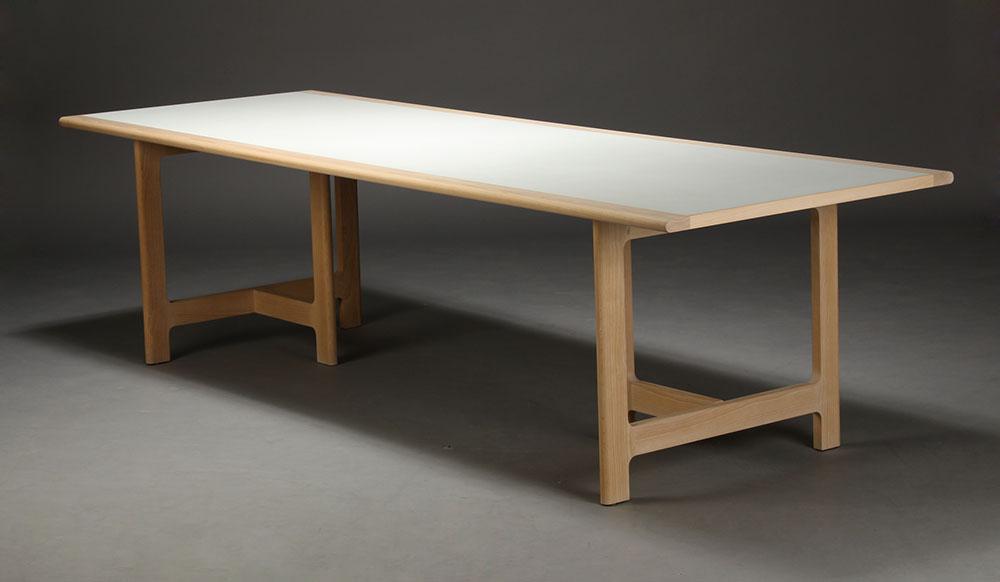 Auktionstipset - Harbo Sølvsten, stort spisebord, hvidt laminat