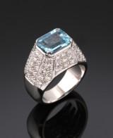 Diamond and aquamarine ring, 18 kt