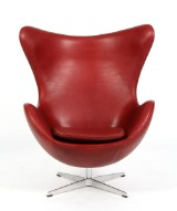 Arne Jacobsen. The Egg easy chair, 'Indian Red' Elegance leather