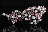 18kt ruby and diamond brooch approx. 2.25ct