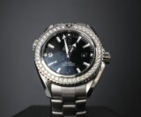Omega Planet Ocean Midsize ur af stål med diamanter