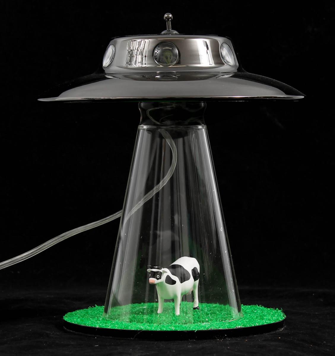 Lasse Klein, Bordslampa,'The Alien Abduction Lamp' |
