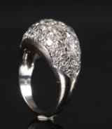 Ring af 14 kt hvidguld prydet med brillanter 3.33 ct
