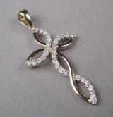 Diamantvedhæng iform af kors med diamanter ca. 0,40 ct.