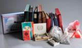 Flyttekasse med samling danske og udenlandske mønter