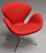 Arne Jacobsen. 'Svanen' lounge hvilestol, model 3320 fra år 2009