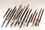 Samling på 16 bajonetter (16)
