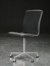 Arne Jacobsen. Oxford chair, black aniline leather