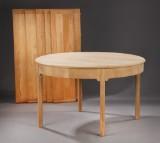 Kaare Klint. Round oak dining table (6)