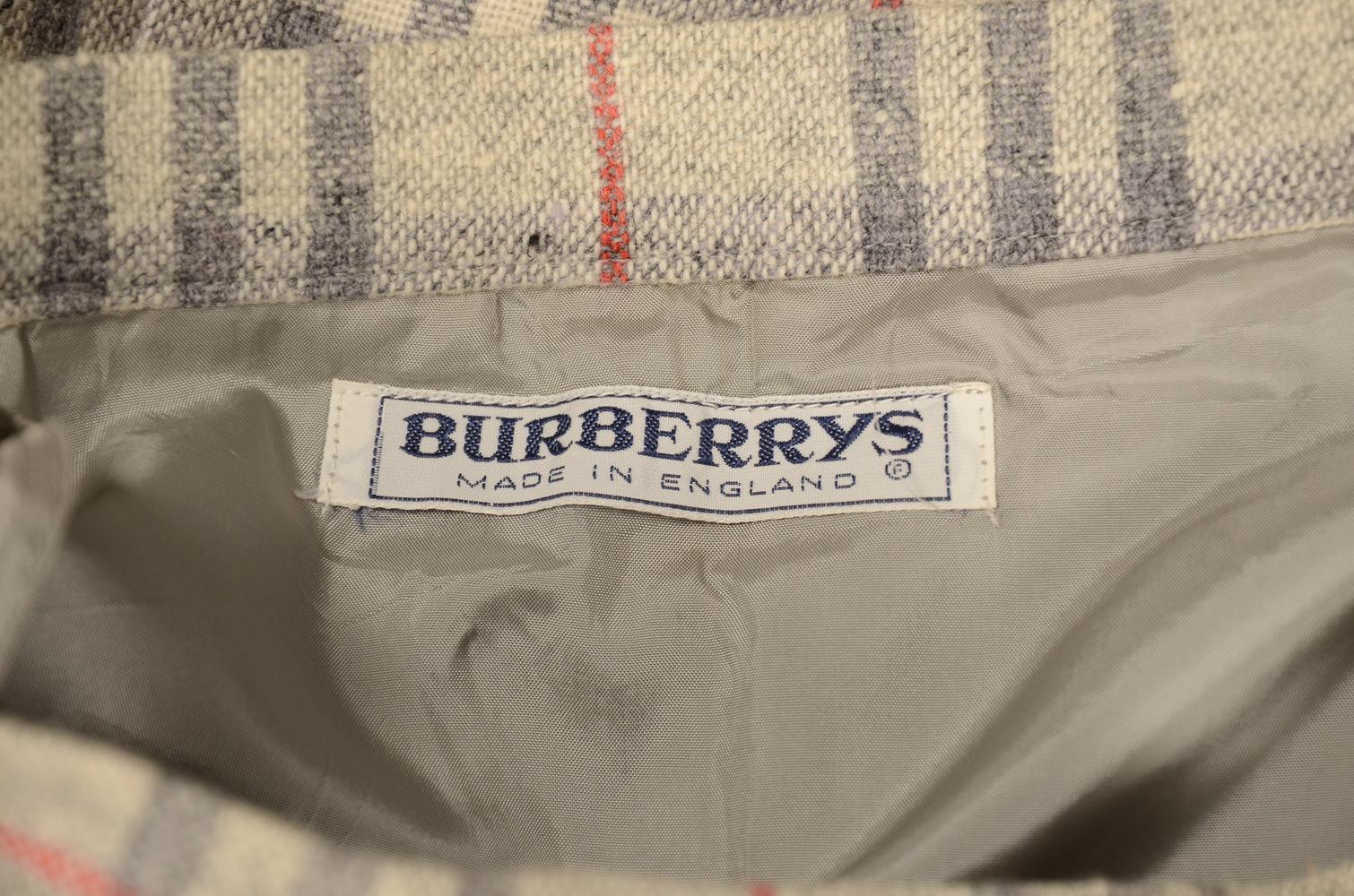 Burberry ternet nederdel af 100 % uld str. 12 ex. lang