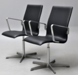 Arne Jacobsen. Et par Oxford armstole, model 3271. (2)
