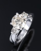 Diamond solitaire ring in 14 kt. rhodium-plated gold, total approx. 2.40 ct