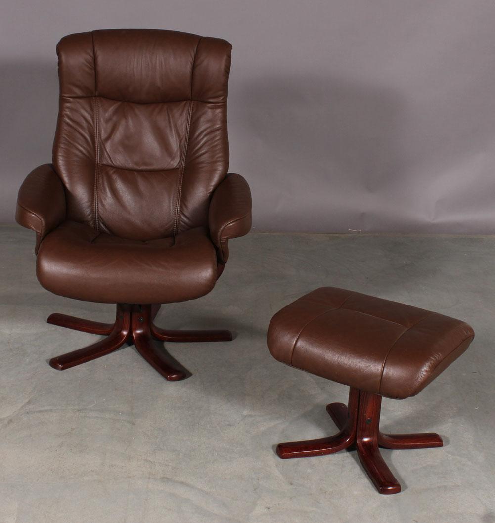 Scansit møbler. Lænestol samt skammel (2) |