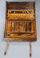 To æsker med værktøj til læder forarbejdning, 1900-tallets første halvdel (2)