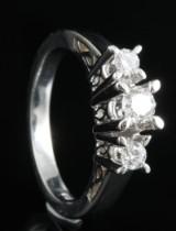18kt diamond ring approx. 0.44ct