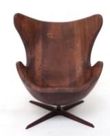 Andrzej Danielski, Holzskulptur, 'Egg Chair'