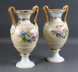 B&G. Par prydvaser, 1800-tallet