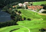 4 dages afslapning med golf på det 4-stjernede Romantikhotel Die Wutzschleife i en juniorsuite i Rötz (Bayerischer Wald) for 2 personer