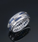 Sapphire and diamond ring, 18 kt. white gold