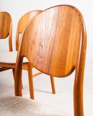 satz von vier st hlen von korup design in teak mit tisch 5. Black Bedroom Furniture Sets. Home Design Ideas