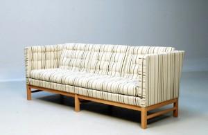 Erik Ole Jørgensen 1925 - 2002. Fritstående sofa, model EJ-315