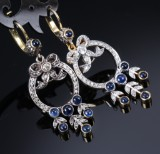 A pair of vintage sapphire and diamond earrings, 18 kt. gold and white gold (2)