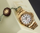 Rolex Yacht-Master. Men's watch, 18 kt. gold with white dial, 2001