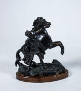 Skulptur, man med häst