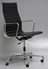 Charles Eames. Kontorstol, Særbestilling med returdrej. Model EA-119 'Full leather'