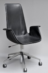 Preben Fabricius & Jørgen Kastholm. Office chair, 'Tulip chair', model FK 6725, leather