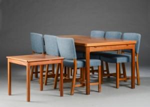 Morten Olsen & Søn Møbelsnedkeri. Spisebord af mahogni samt 6 stole ...