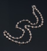 Diamond necklace, 18 kt. white gold, with rose-cut diamond beads, total approx. 26.00 ct