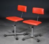 Jørgen Rasmussen. Kevi par kontorstole med rødt skai (2)