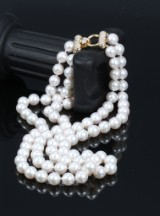 Double-stranded Akoya saltwater cultured pearl necklace with diamond clasp