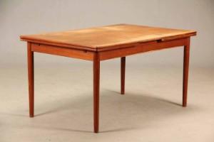 Hans J. Wegner. Spisebord af teak med hollandsk udtræk, model AT-316 ...