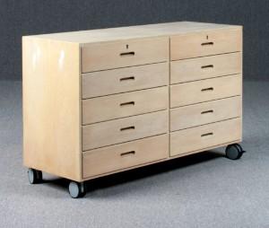 m bel kommode p hjul dk helsing r st berivej. Black Bedroom Furniture Sets. Home Design Ideas