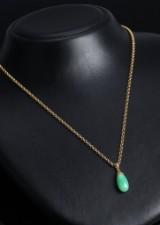 Dråbeformet vedhæng i jade og 18 kt. guld