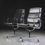 Charles Eames. Par Soft Pad armstole, Model EA-209 (2)