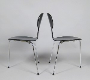 arne jacobsen paar st hle modell 3100 ameise tisch modell a 623 3. Black Bedroom Furniture Sets. Home Design Ideas