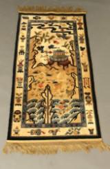 Kinesisk silketæppe med feng-huang-fugl