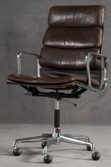 Charles & Ray Eames, Softpad office chair model EA 219 in dark brown by Vitra for Herman Miller