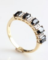Safir- og diamant ring