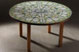 Bjørn Wiinblad. Rundt bord med keramiske fliser.