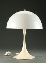 Verner Panton for Louis Poulsen. Panthella bordlampe