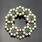 Juvelbroche med brillanter og smaragder