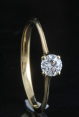 18kt diamond solitaire ring approx. 0.25ct <br>