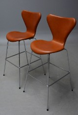 Arne Jacobsen. Pair of barstools, aniline Vacona leather (2)